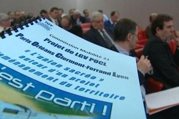 L'association Grand Centre Auvergne défend le projet de LGV Paris-Lyon-Clermont-Lyon avant que la Commission Mobilité 21 ne rende ses conclusions.