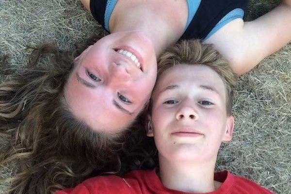 Charline Pouillet et son frère Théo, 15 ans