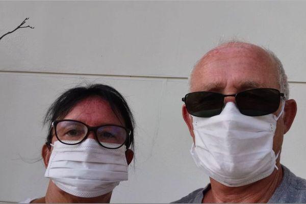 Annie et Philippe, bloqués en Thaïlande, en pleine épidémie de coronavirus,  essaient désespérément de rentrer en France.