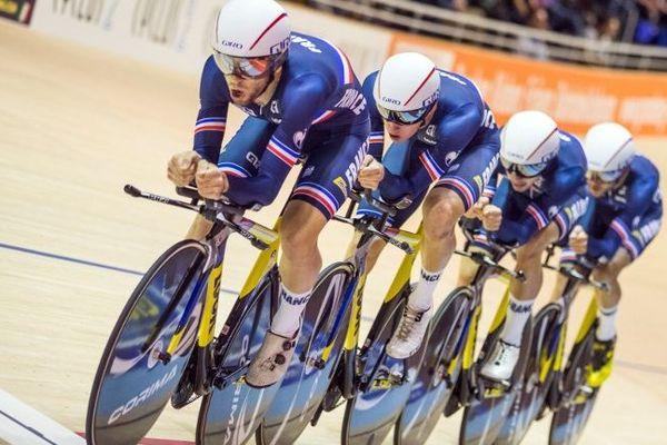 L'équipe de France masculine, dont le Picard Corentin Ermenault, lors des championnats d'Europe de cyclisme sur piste à Berlin en 2017.