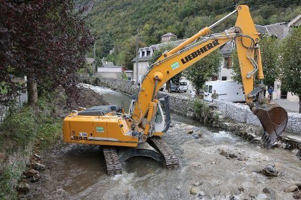 La Pique a dû être curée suite aux inondations de lUCHON en 2013
