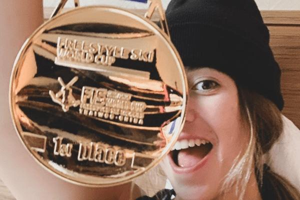 Perrine Laffont n'a pas caché sa joie sur les réseaux sociaux d'empocher une deuxième victoire en coupe du monde de ski de bosses.