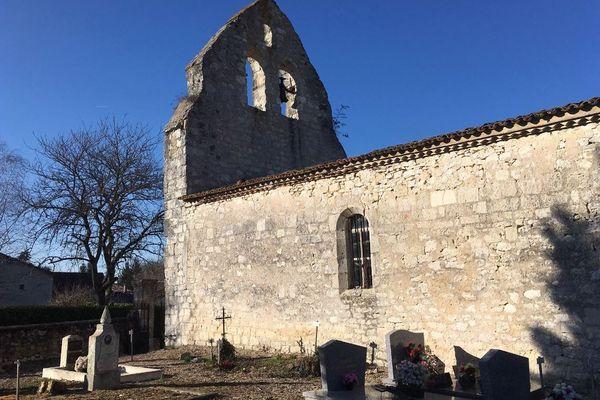 Georges Pernoud sera inhumé à Monestier, en Dordogne.