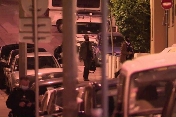 Le Raid, la BRI, la SDAT, la police judiciaire étaient présents pour cette 3ème interpellation dans le cadre de l'enquête que l'attentat de Notre-Dame à Nice.
