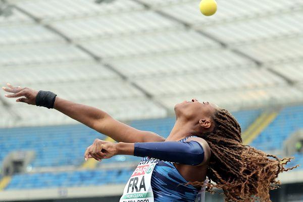 Au disque, Amanda Ngandu-Ntumba s'est classée3e avec 56,24m, derrière la Néerlandaise et meilleure performeuse mondiale de l'année Jorinde Van Klinen (63,02m) et la Finlandaise Helena Leveelahti (57,09m)