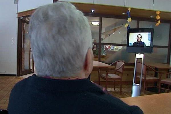 Avec Sam, les visiteurs peuvent se connecter à distance via leur ordinateur où leur téléphone.
