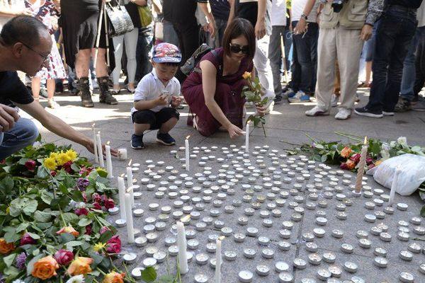 Plusieurs centaines de personnes sont venues le 14 août à Aubervilliers rendre hommage à Zhang Chaolin, mort après une violente agression.