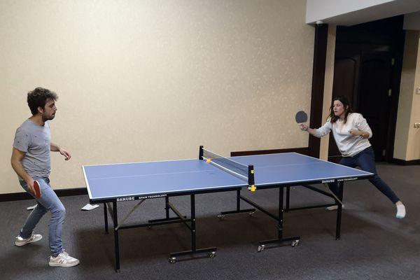 Les français se sont affrontés dans des parties de tennis de table
