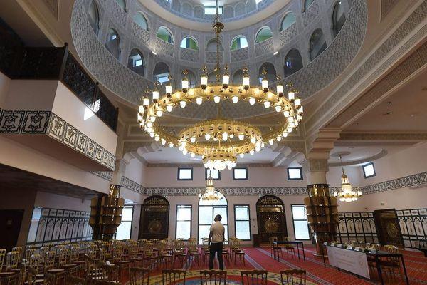 L'intérieur de la Grande Mosquée de Toulouse
