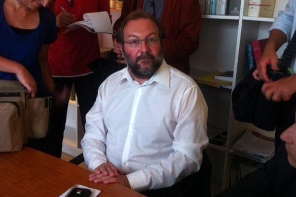Gérard Dalongeville, en conférence de presse, ce lundi après-midi.