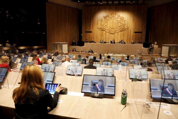 Les élus pourront être excusés pour des raisons de santé, une représentation officielle de la Ville de Marseille ou pour cas de force majeure