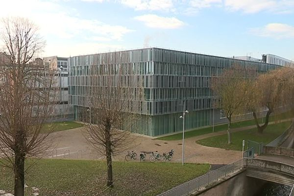 Le bâtiment du Hub de l'énergie à Amiens construit en 2015