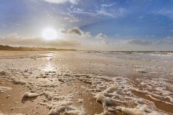 Soleil de fin d'après midi sur plage de Fréhel (22)