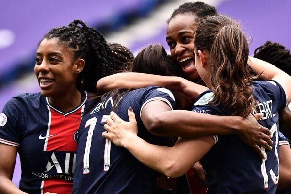 Les joueuses du Paris Saint-Germain ont été sacrées championnes de France pour la première fois de leur histoire.