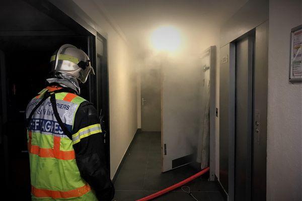 Les pompiers de Rennes procèdent au désenfumage des gaines techniques