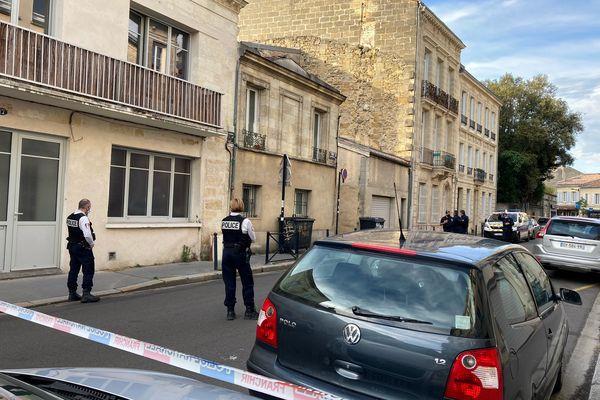 Un important dispositif de sécurité a été mis en place autour de l'impasse Laurendon à Bordeaux.