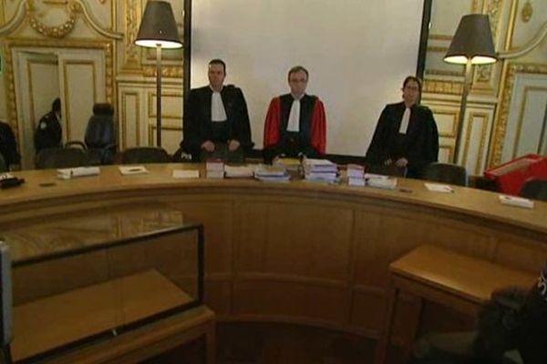 Le président de la Cour d'assises, Philippe Dary et les deux assesseurs