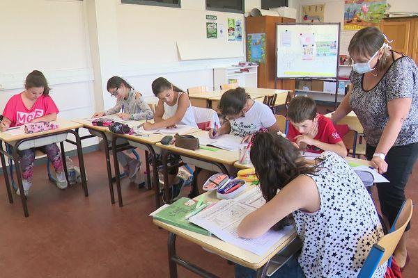 """Six élèves de CM1 et CM2 d'Argentat participent pour cette première semaine de vacances à l'opération """"école ouverte"""""""