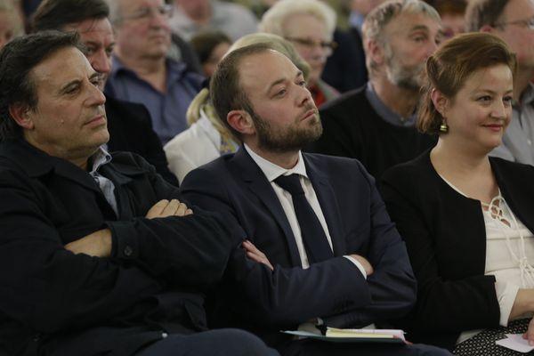 Au centre, le 1er adjoint PS au maire de Joigny et conseiller départemental Nicolas Soret, soutien de Benoît Hamon pendant la campagne.