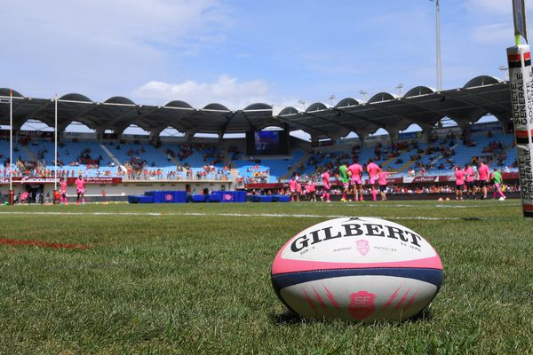 Le rugby français en deuil après la mort accidentelle d'un jeune espoir du Stade Français.