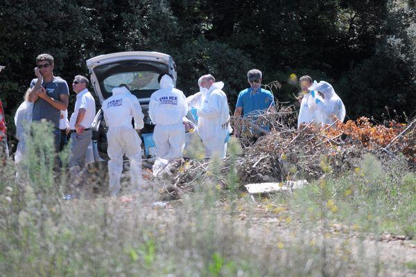 Nîmes - la police technique et scientifique sur les lieux du drame où le corps carbonisé de Badre Fakir a été retrouvé - septembre 2015.