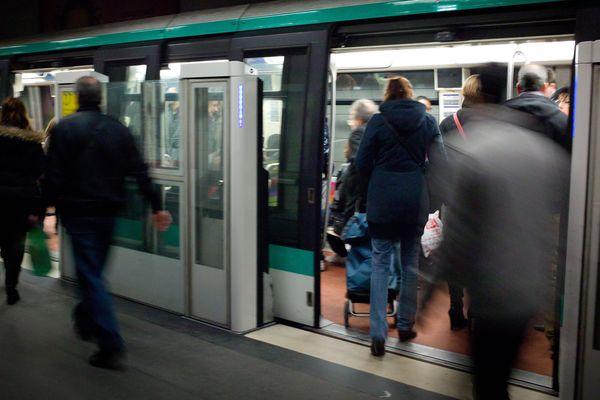 L'agression s'est produite sur la ligne 4 du métro parisien, à la station Châteaud'eau.