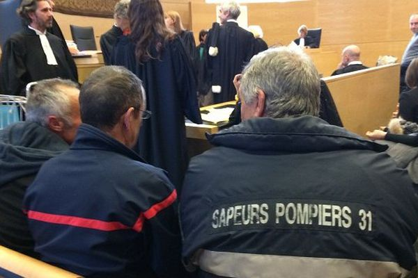 Trois pompiers sont poursuivis pour diffamation par Pierre Izard, le président du conseil général de Haute-Garonne.