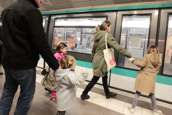 Le coût des nouvelles mesures de gratuité pour les enfants et les jeunes dans les transports devrait s'élever à 50 millions d'euros (illustration).