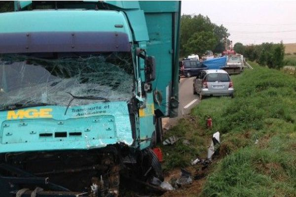 Un accident de la route près de Troyes fait six morts mardi 22 juillet dont cinq enfants originaires de la Seine-et-Marne. L'accident serait dû à une collision entre un minibus et un camion.