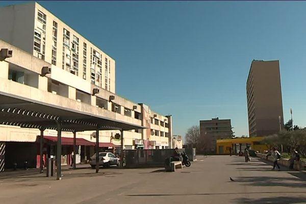 Les commerçants de Pissevin sont inquiets. Le marché va être déplacé sur un parking le temps des travaux de la future ligne du tram bus
