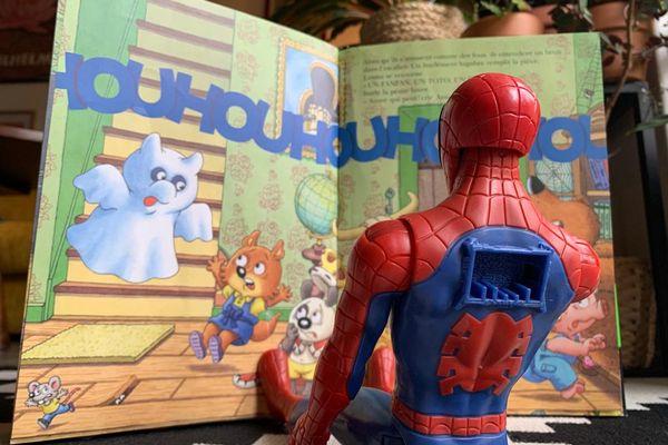 Mini-Loup VS Spiderman