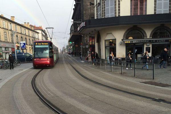 A compter du 11 mai, le masque sera obligatoire dans les transports en commune de Clermont-Ferrand. Photo d'archives.