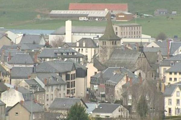 La commune de Riom-ès-Montagne, dans le Cantal, va devoir se passer des services de l'un de ses médecins. Il a fermé son cabinet après la défaite de sa femme aux élections départementales.