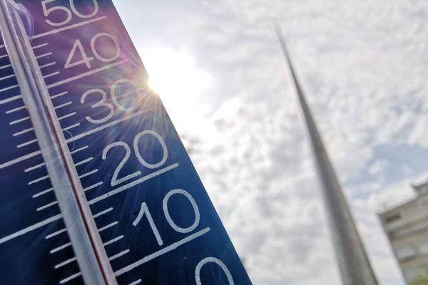 Le thermomètre va-t-il monter au-delà de 35°C comme l'été dernier