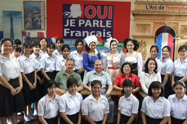 Une centaine de Français vivent, comme Patrick Desrat, à Udon Thani et cultivent la culture de leur pays d'origine.