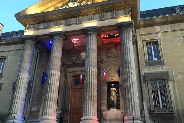 Treize fonctionnaires et magistrats sur 130 ont été placés en quatorzaine au palais de justice de Reims