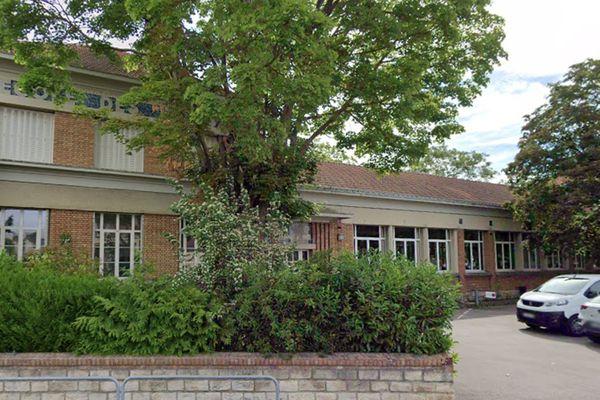 Le retour dans les écoles se prépare mais pas de bambins dès le 11 mai. Ici, l'école élémentaire Paul Bert à Troyes.