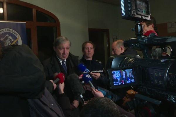 Jean-Michel Prêtre a tenu ce vendredi soir une conférence de presse à Entraunes dans les Alpes-Maritimes suite à l'avalanche qui a emporté 6 randonneurs, tuant 4 d'entre d'eux.