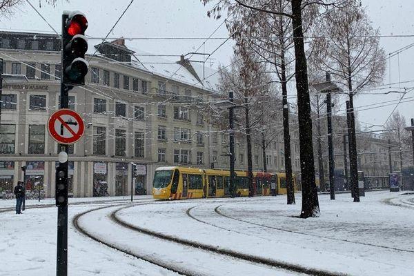 Mulhouse est sous la neige.