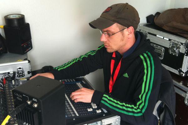 C'est là où on mixe les sons ! Super concentration !