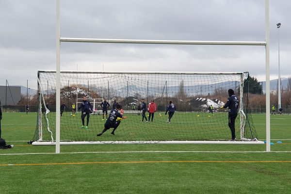 Le Clermont Foot à l'entraînement sur le terrain des Gravanches à Clermont-Ferrand avant la réception du Havre le 28 janvier.