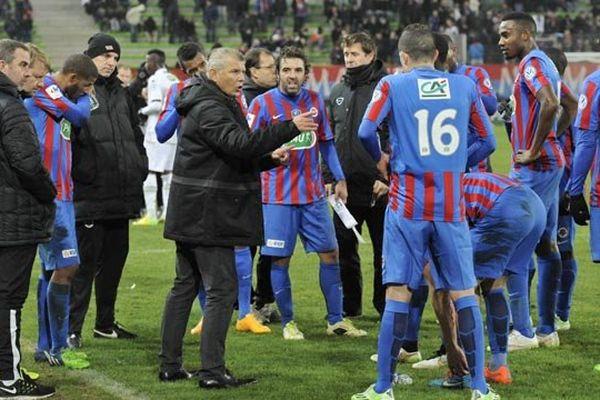Patrice Garande et les joueurs du Stade Malherbe
