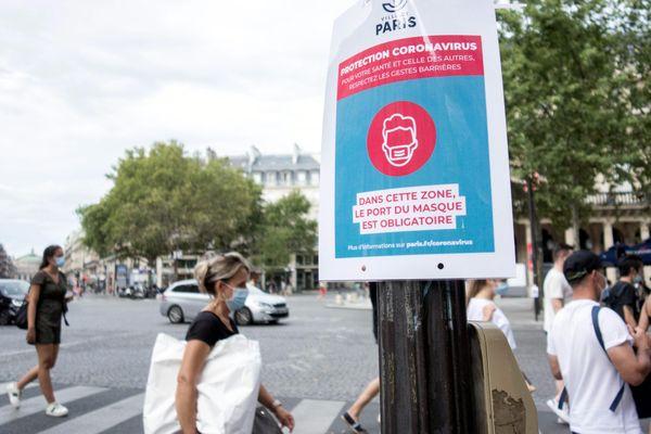 A Paris, de nombreuses zones extérieures imposent le port du masque.