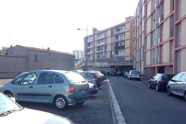 La place de Milan à Toulouse dans le quartier du Mirail