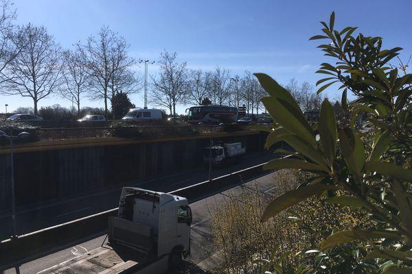30 % de trafic routier en moins en Lorraine pour ce deuxième confinement, c'est aussi moins de polluants nocifs rejetés dans l'air