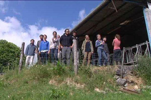 Sur les onze futurs agriculteurs de la Tournerie, à Coussac-Bonneval en Haute-Vienne, aucun n'est originaire de la région. Mais c'est ici qu'ils ont trouvé un lieu accueillant pour leur projet.