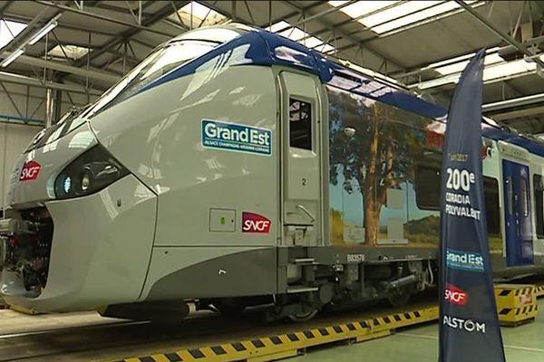 Le 200é Train Coradia sort des ateliers de procduction du site Alstom de Reichshoffen