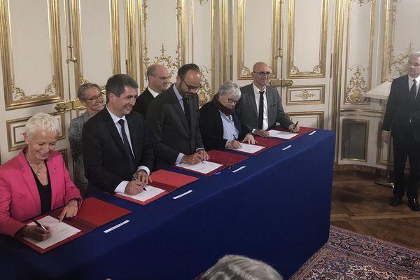 Signature de la création de la collectivité européenne d'Alsace ce lundi.