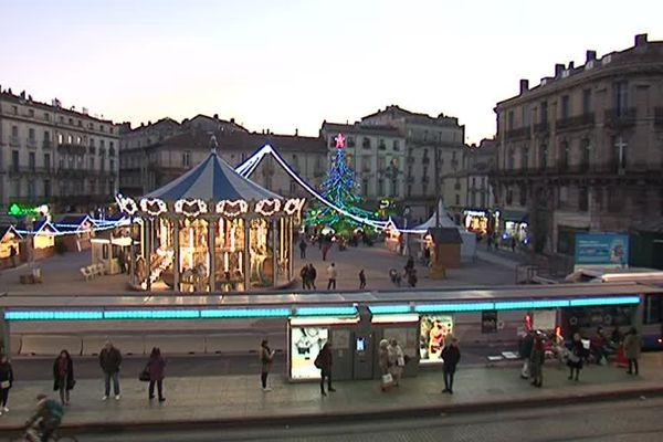 A Montpellier, les abords de l'écusson ont changé d'aspect. Les halles et le parking Laissac, construits dans les années 70, ont disparu. Pour quelques semaines la place accueille le marché de Noël.