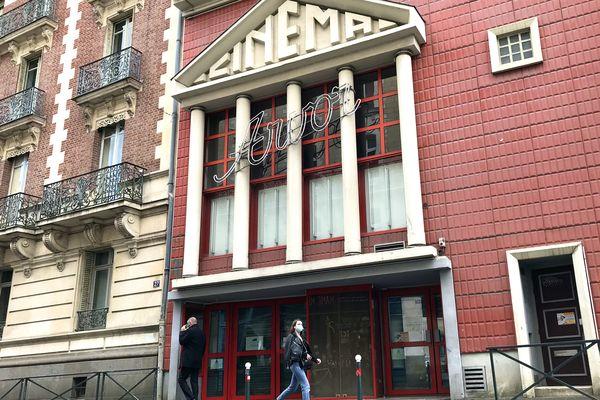 Rue d'Antrain à Rennes, le cinéma Arvor cède la place à la Maison du cinéma